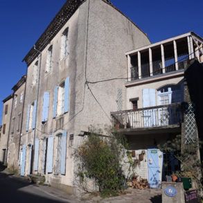 Grande maison de village avec belle terrasse
